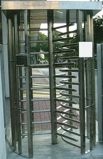30 Persons / Min Full Height Turnstile with Sound Alarm Stainless Steel Tube for Airport সরবরাহকারী